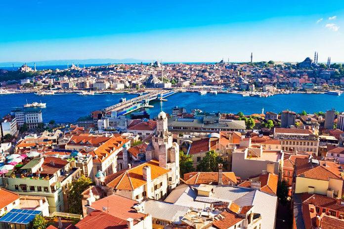 Gdzie spędzić letnie wakacje - w Turcji czy Egipcie?